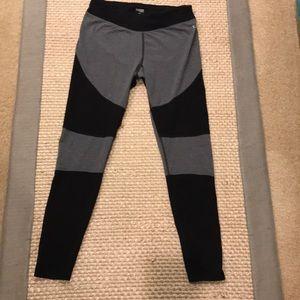 Danskin Yoga/Workout Black/Gray legging Sz M(8-10)